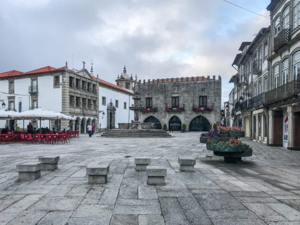 Platz in Viana do Castelo am Jakobsweg Portugal
